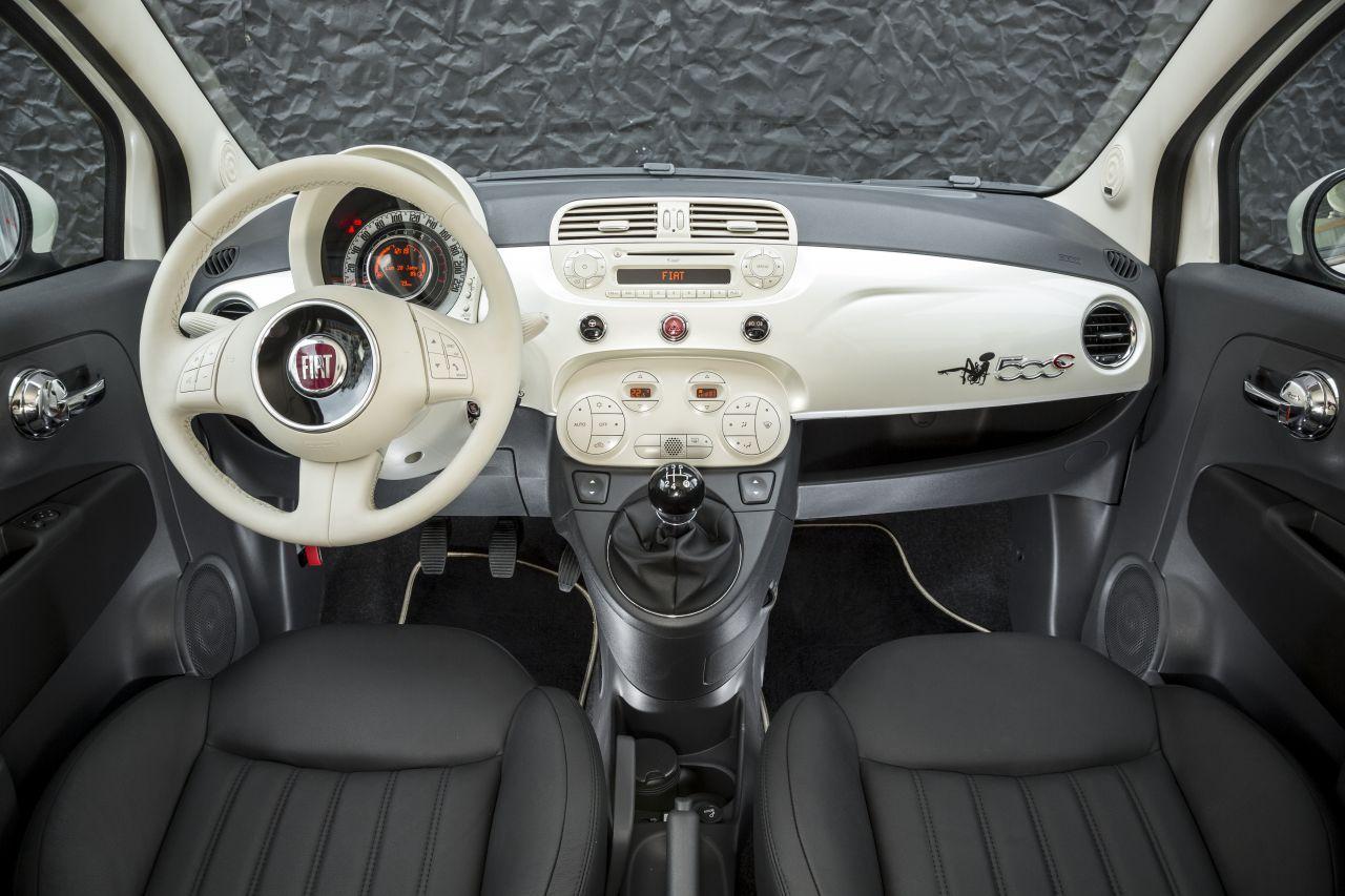 La Petite Robe Noire drives a Fiat 500 DETAIL-INTERIOR