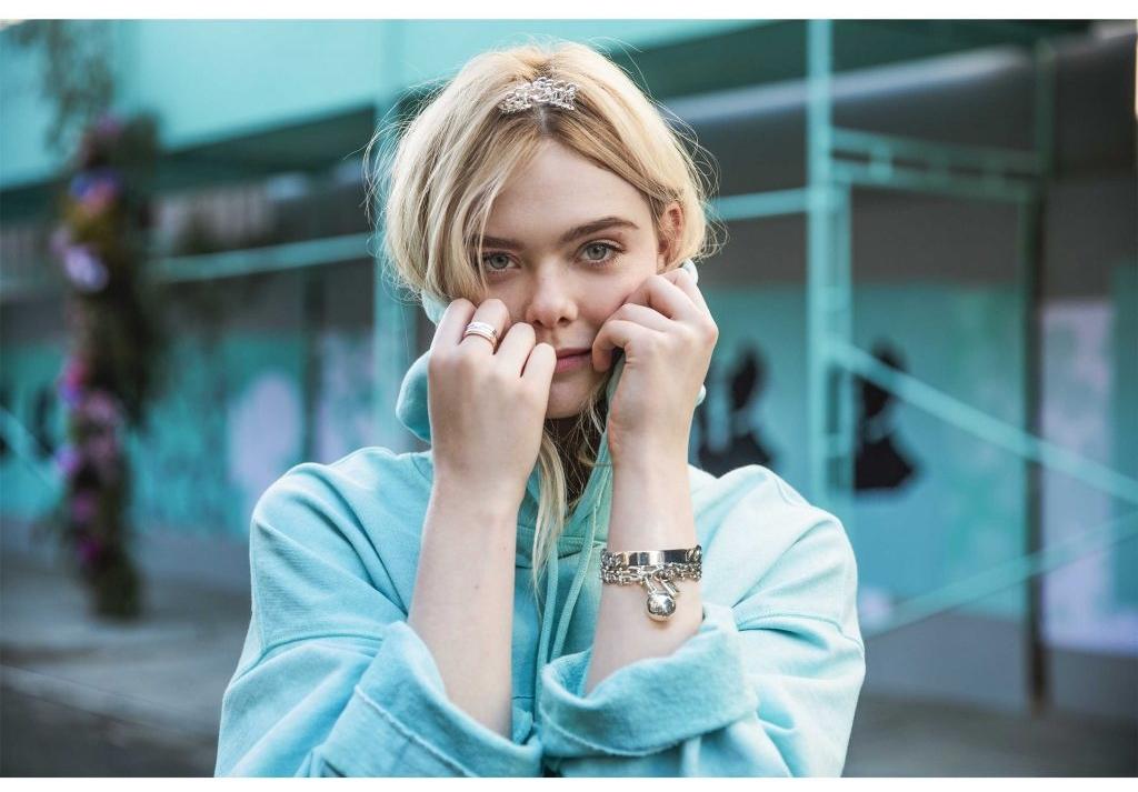 Elle-Fanning-Tiffany-Co-behind-_5168-1024x819