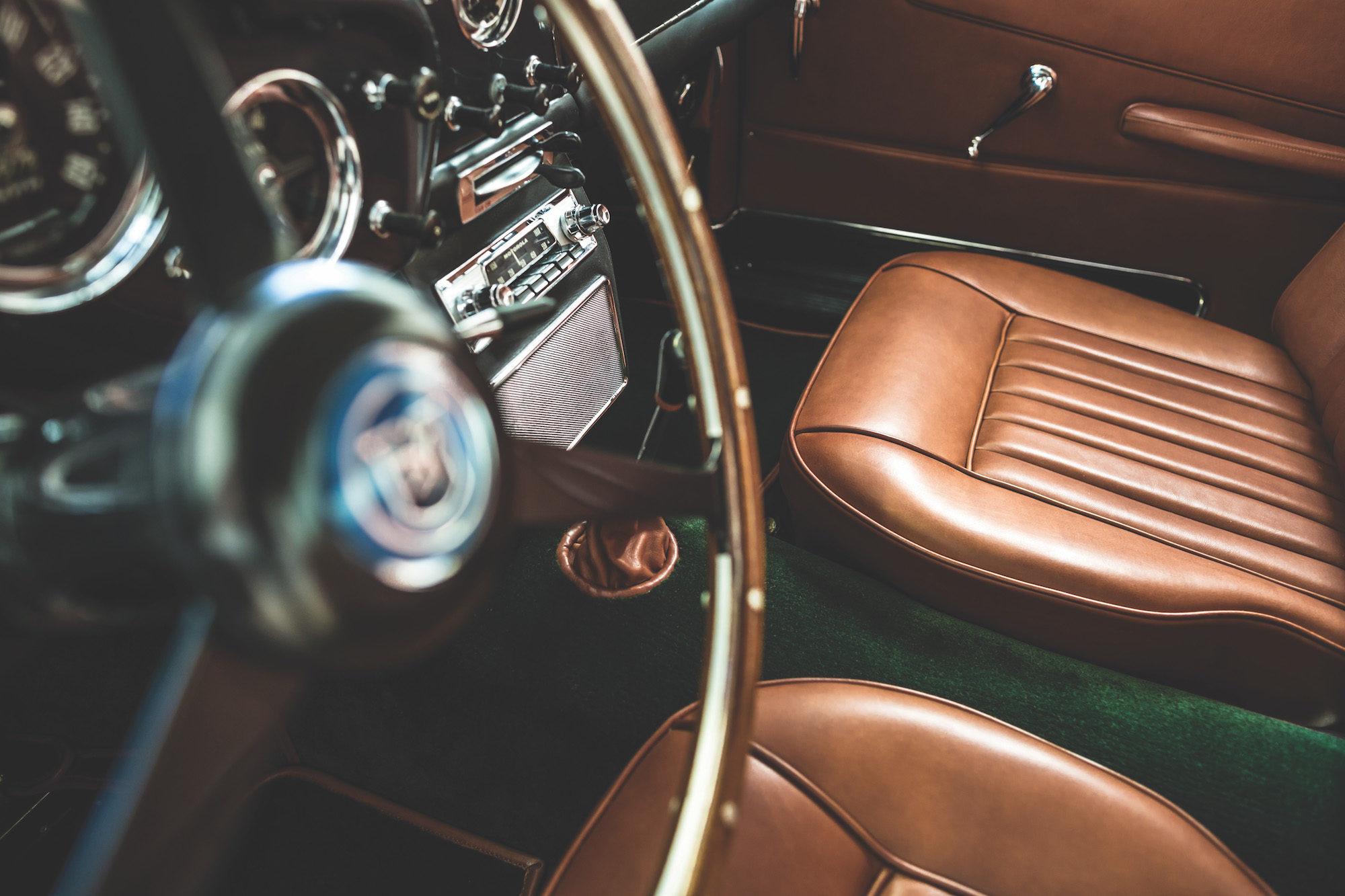 car-interior-hermes-Alexis-goure-2000x1333