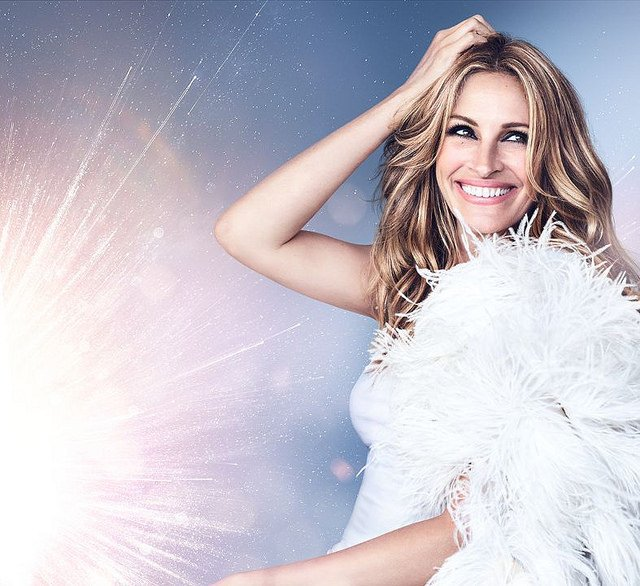 Lancôme-La-Vie-Est-Belle-Flowers-of-Happiness-Julia-Roberts.jpg