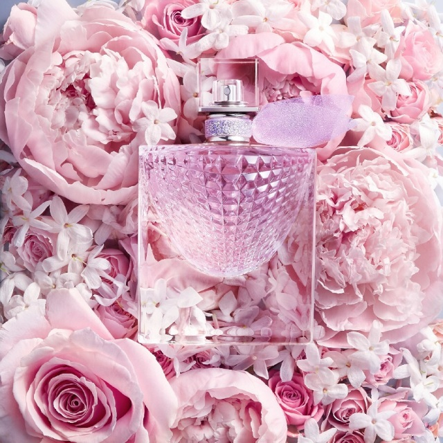 Lancôme-La-Vie-Est-Belle-Flowers-of-Happiness.jpg