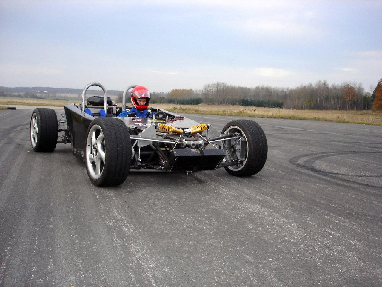 2006-Laboratorio-BEBI-Quercianella-Chassis-Track-1280x960.jpg