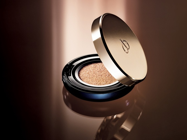 Clé-de-Peau-Beauté-Radiant-Cushion-Foundation-Banner-02