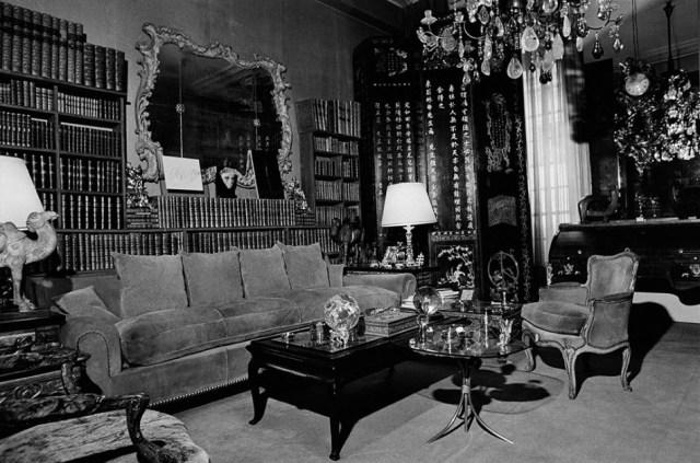 Coco-Chanels-private-room-at-31-Rue-Cambon-Paris.jpg
