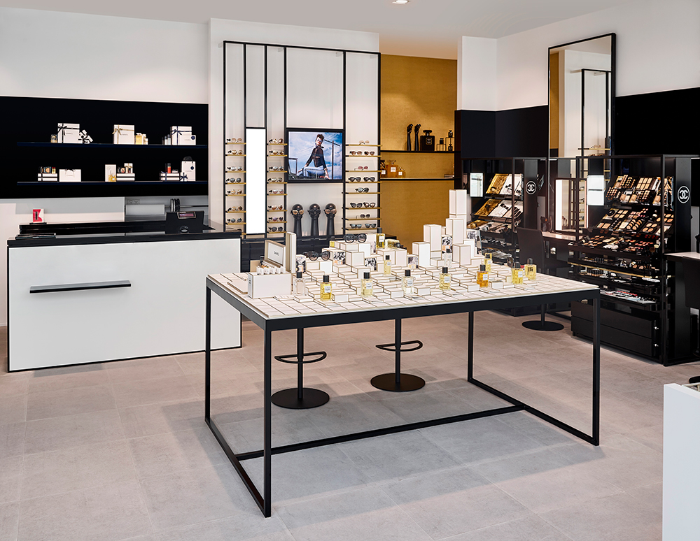 CHANEL-Fragrance-and-Beauty-Boutique-in-Dubai-002.jpg