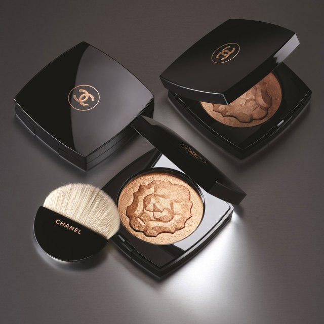 Chanel-Le-Libre-Maximalisme-de-Chanel--Le-Lion-de-Chanel-Face-Highlighter