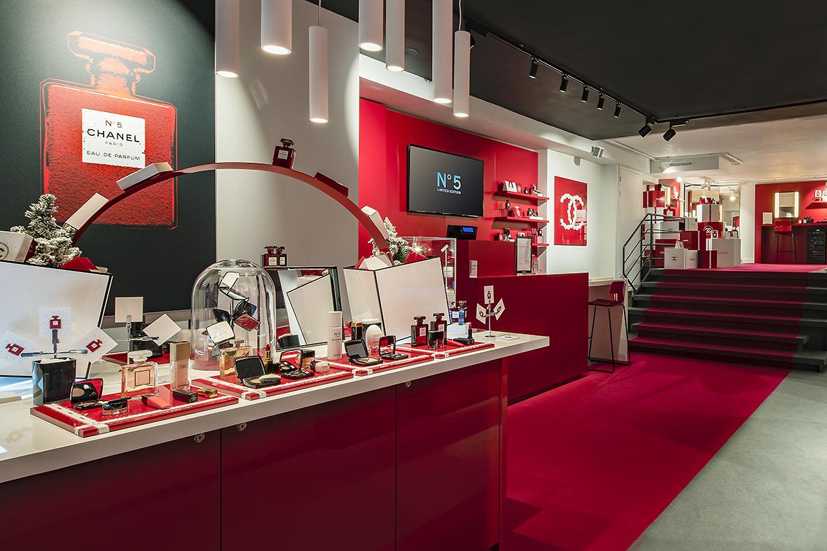 Chanel-Pop-Up-Amsterdam-03.jpg