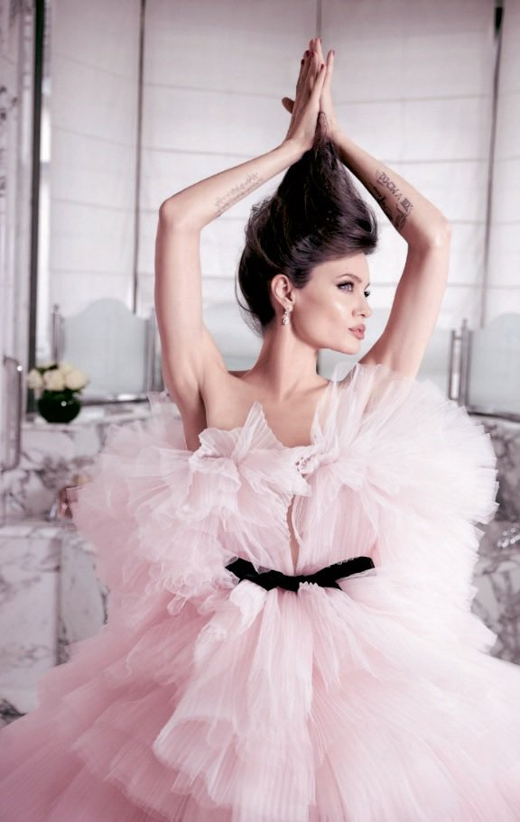 mon-guerlain-bloom-of-rose-flacon-angelina-jolie