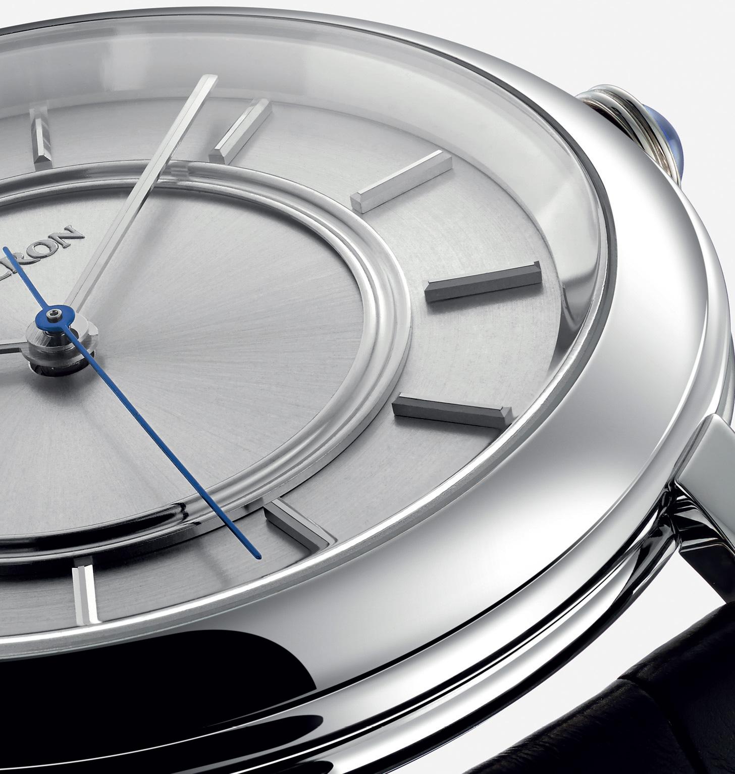 Boucheron-Épure-watch-in-white-gold-42mm-detail