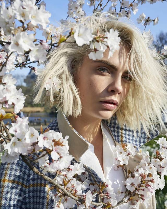 Burberry-Her-Blossom-Cara-Delevingne-by-Juergen-Tellerwho-02.jpg