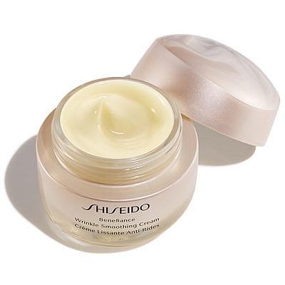 Shiseido-Benefiance-Wrinkle-Smoothing-Cream-Open-400x400