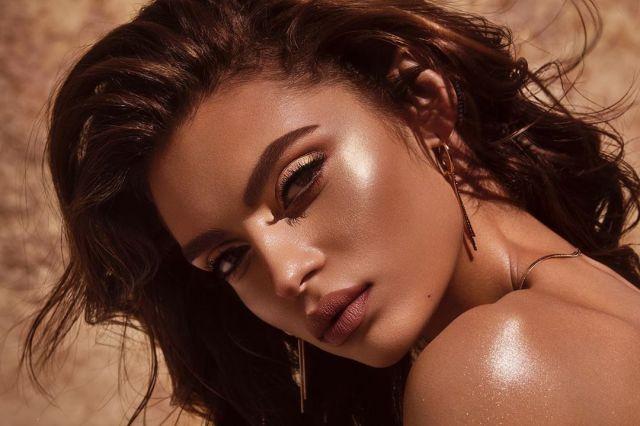 Anastasia-Beverly-Hills-Shimmer-Body-Oil-Visual-01