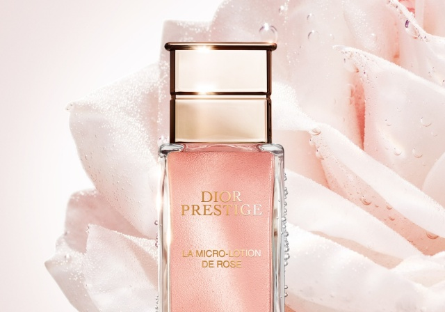 Dior-Prestige-La-Micro-Lotion-de Rose-Flacon-Banner