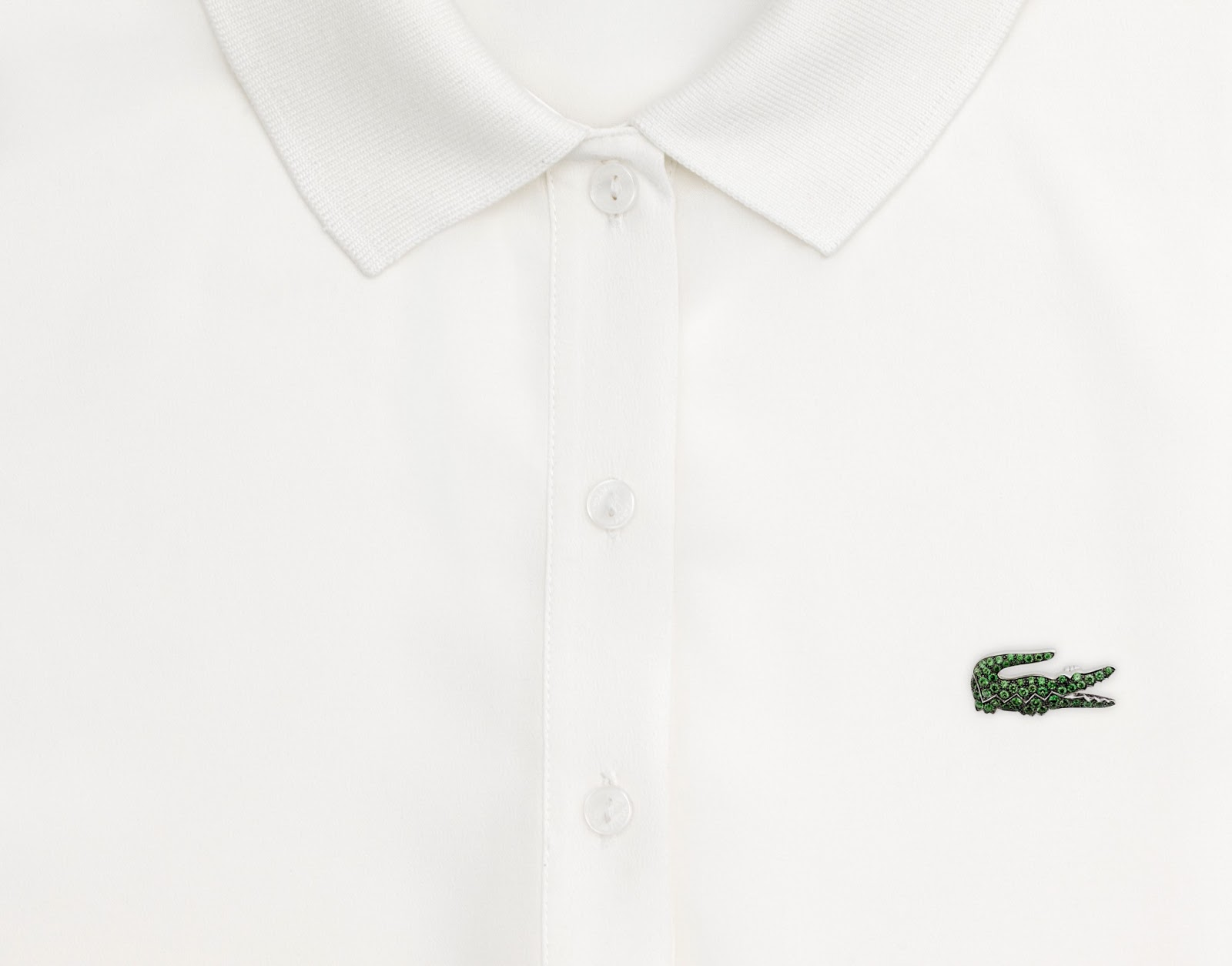 Lacoste-Maisons-Francaises-80th-Anniversary-Collection-Boucheron-Brooch-Green-Polo.jpg