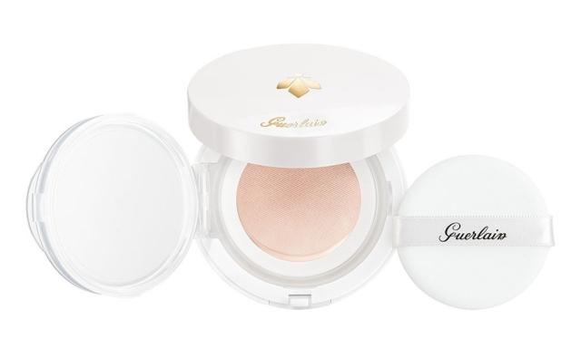 Guerlain-Abeille-Royale-Bee-Glow-Aqua-Cushion-02-Natural