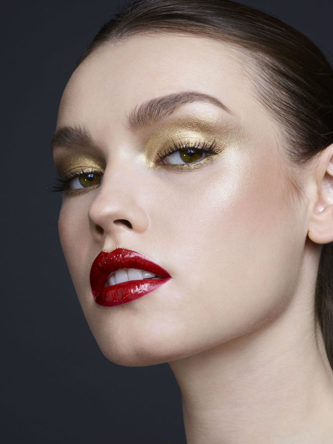 guerlain-electric-look-makeup-collection-holiday-2018-.jpg