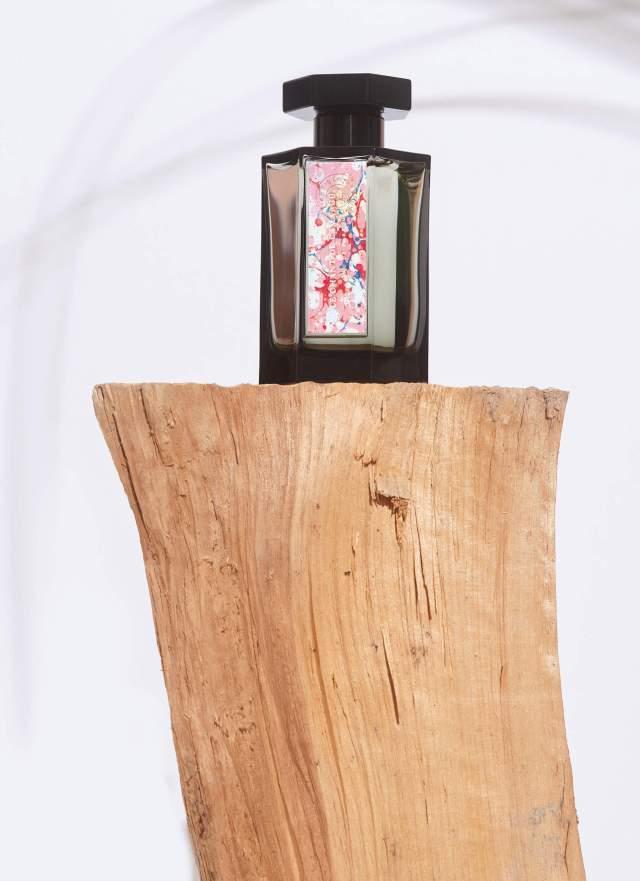L'Artisan-Parfumeur-Le-Chant-de-Camargue-Flacon.jpg