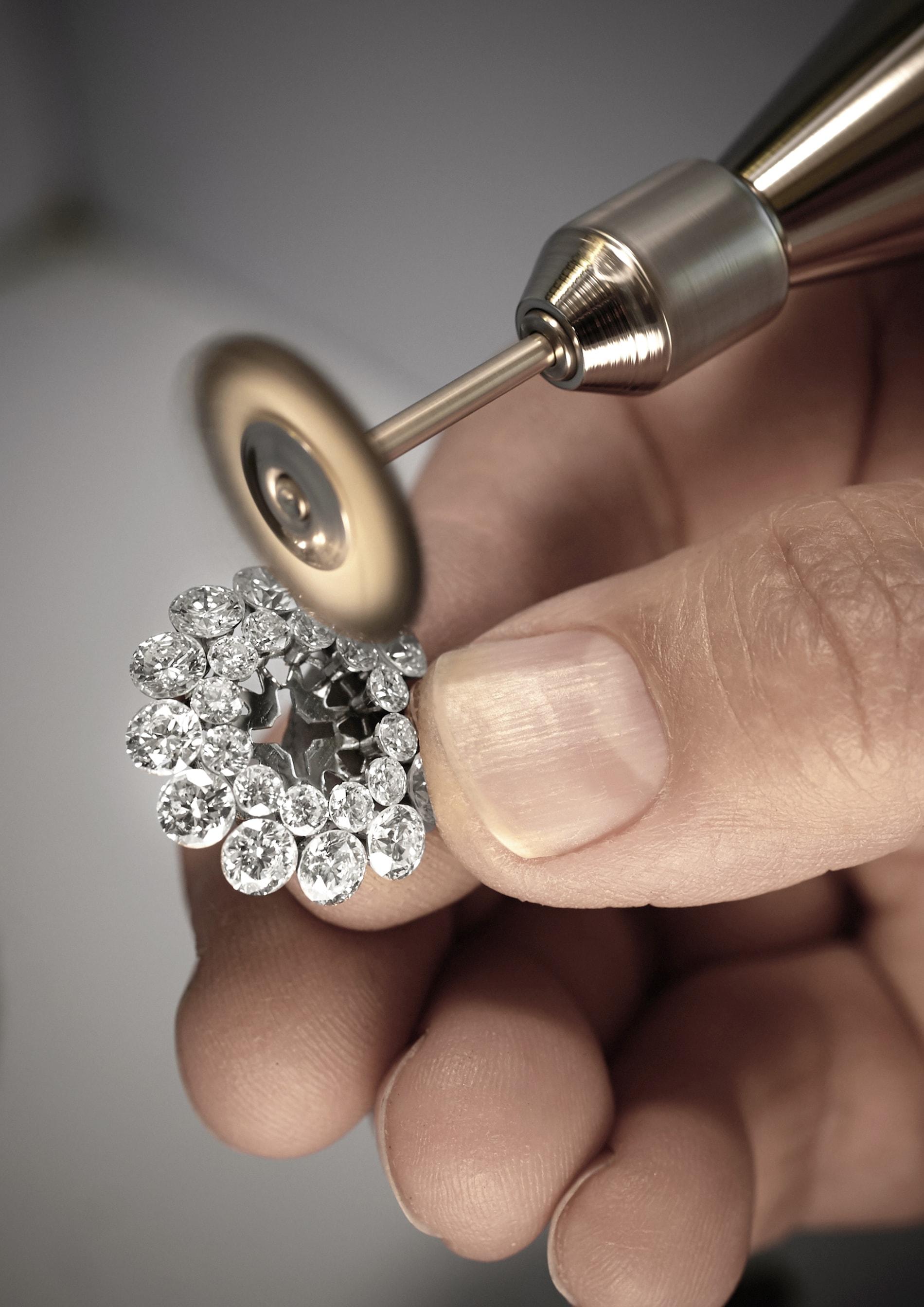 Chopard-Haute-Joaillerie-Magical-Setting-Jewellery-06-min