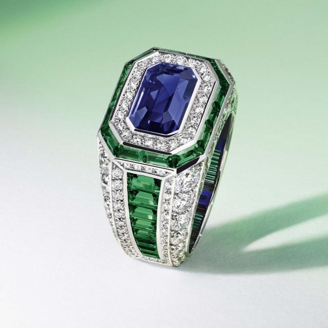 louis_vuitton_riders_of_the_knights_diamond_emerald_and_sapphire_ring_jpg__1536x0_q75_crop-scale_subsampling-2_upscale-false