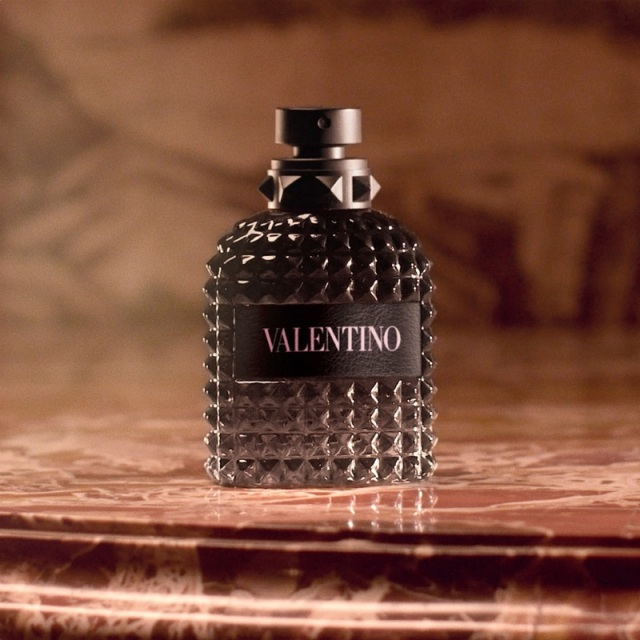Valentino-Born-In-Roma-Uomo-Flacon-03.jpg