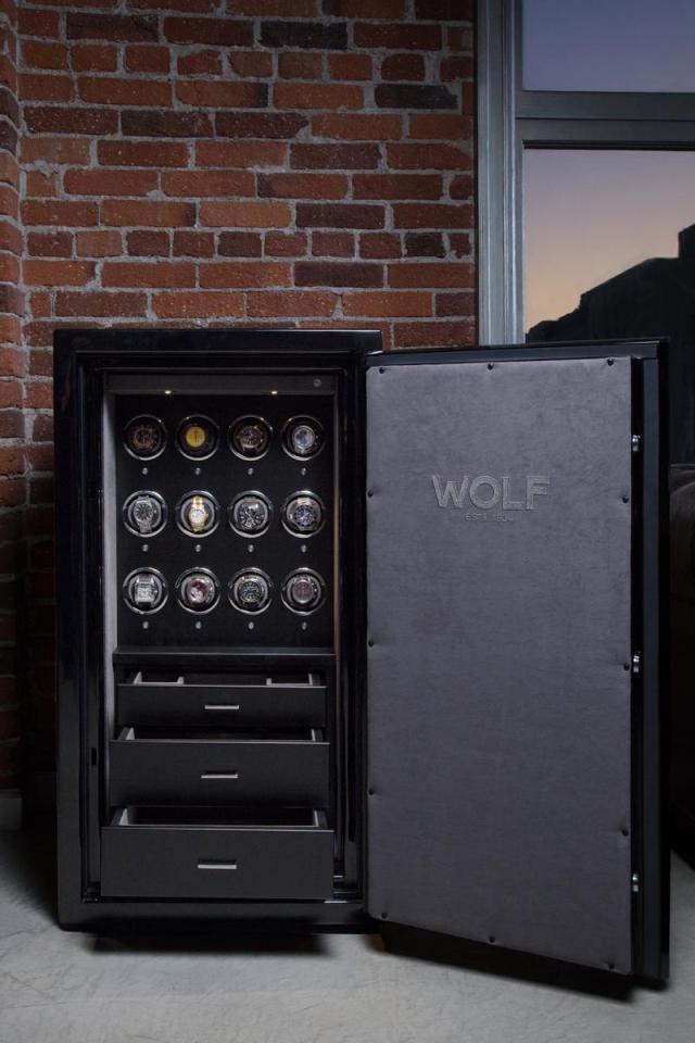 Wolf-1834-Atlas-Watch-Winder-Safe-02.jpg