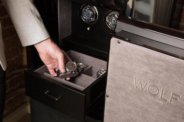 Wolf-1834-Orion-Watch-Winder-Safe-03.jpg