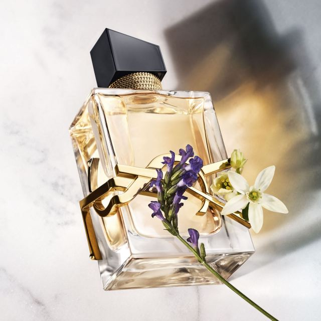 Yves-Saint-Laurent-Libre-Flacon-Flowers