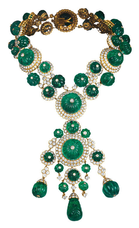 Van-Cleef-and-Arpels-Dubai-Treasures-and-Legends-Exhibition-Begum-Salima-Aga-Khan-Necklace-1971..jpg