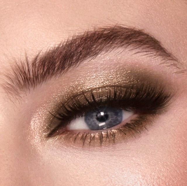Charlotte-Tilbury-Starry-Eyes-to-Hypnotise-Instant-Eye-Palette-03