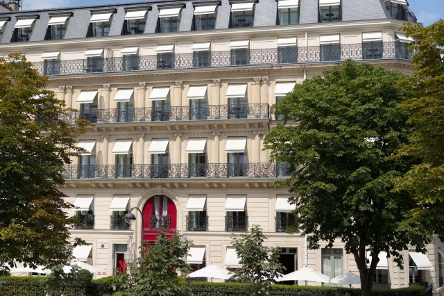 Facade-La-Reserve-Paris-2