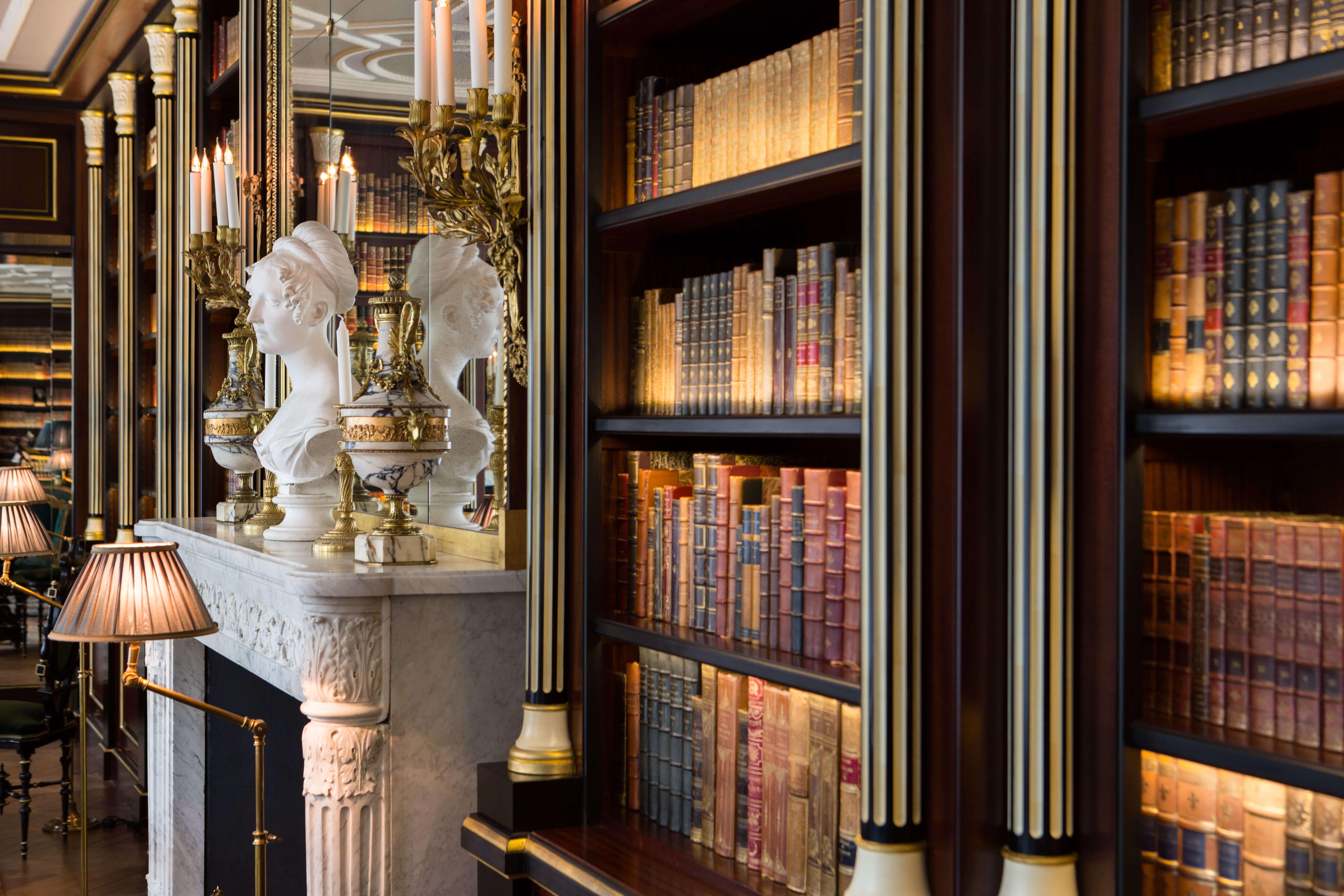 La-Reserve-Paris-Bibliotheque-Duc-de-Morny-6