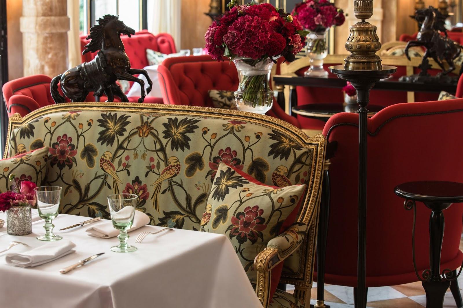 La-Reserve-Paris-La-Pagode-Brasserie