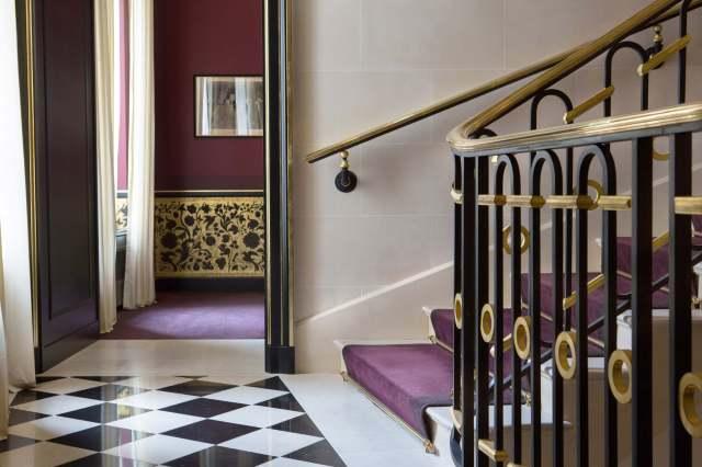 La-Reserve-Paris-lobby