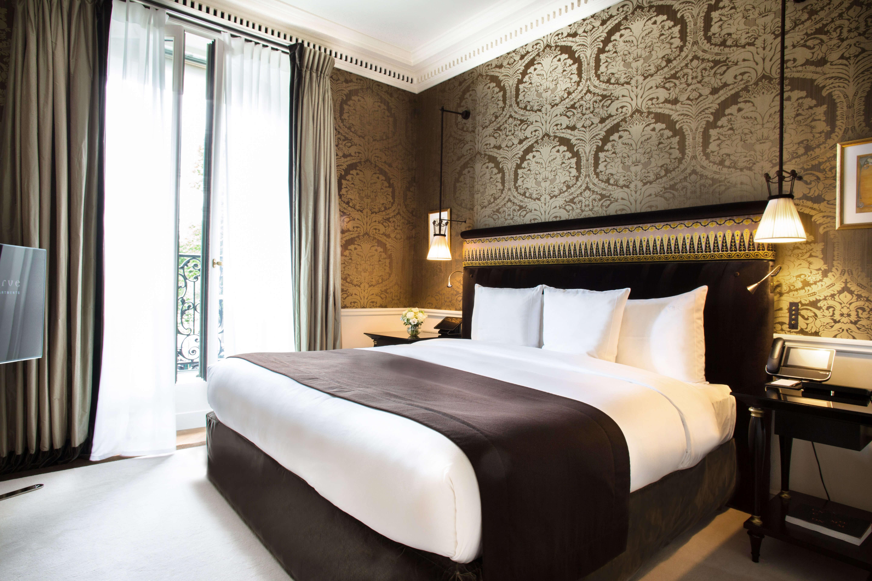 La-Reserve-Paris-Suite-104-room