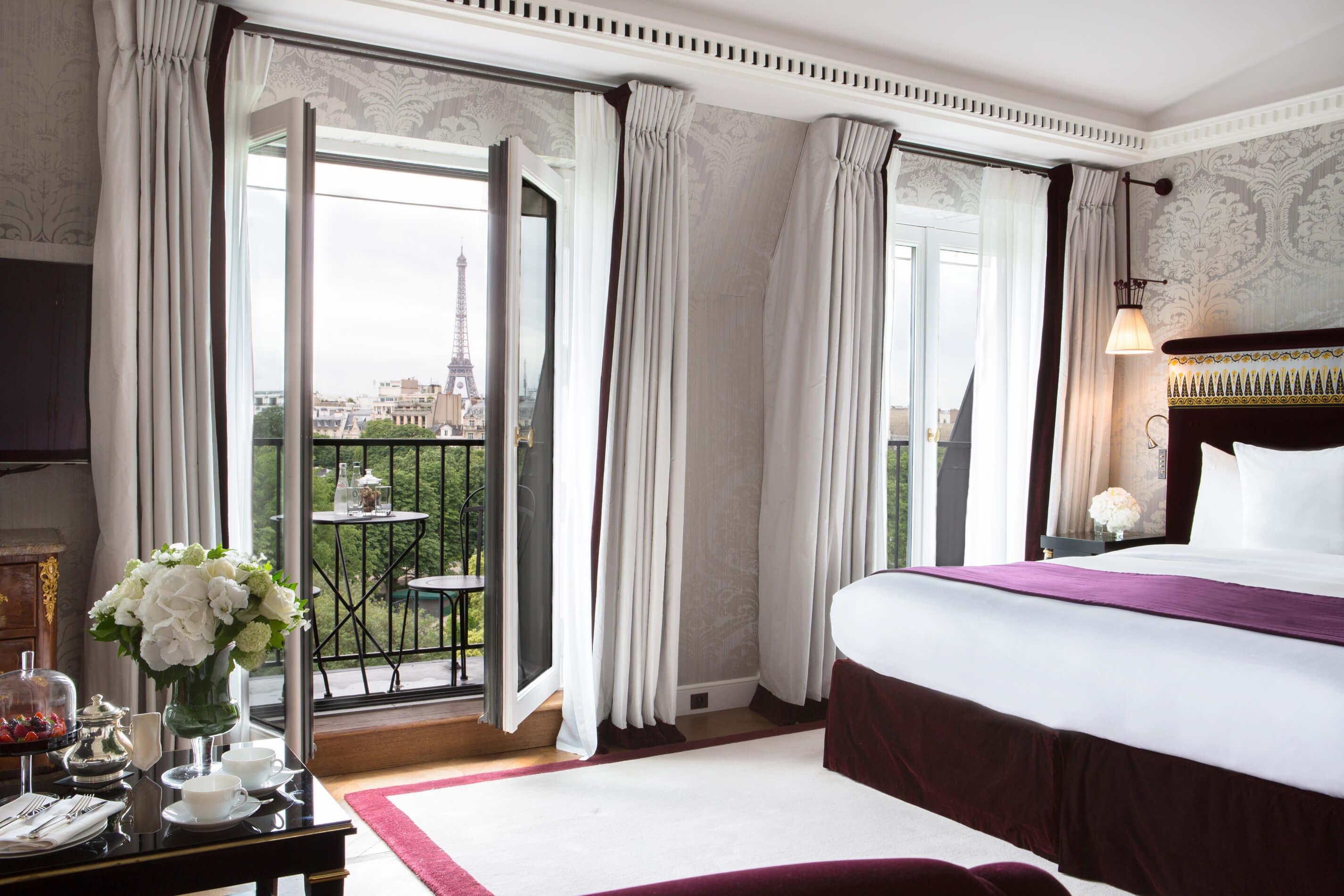 La-Reserve-Paris-Suite-502-view