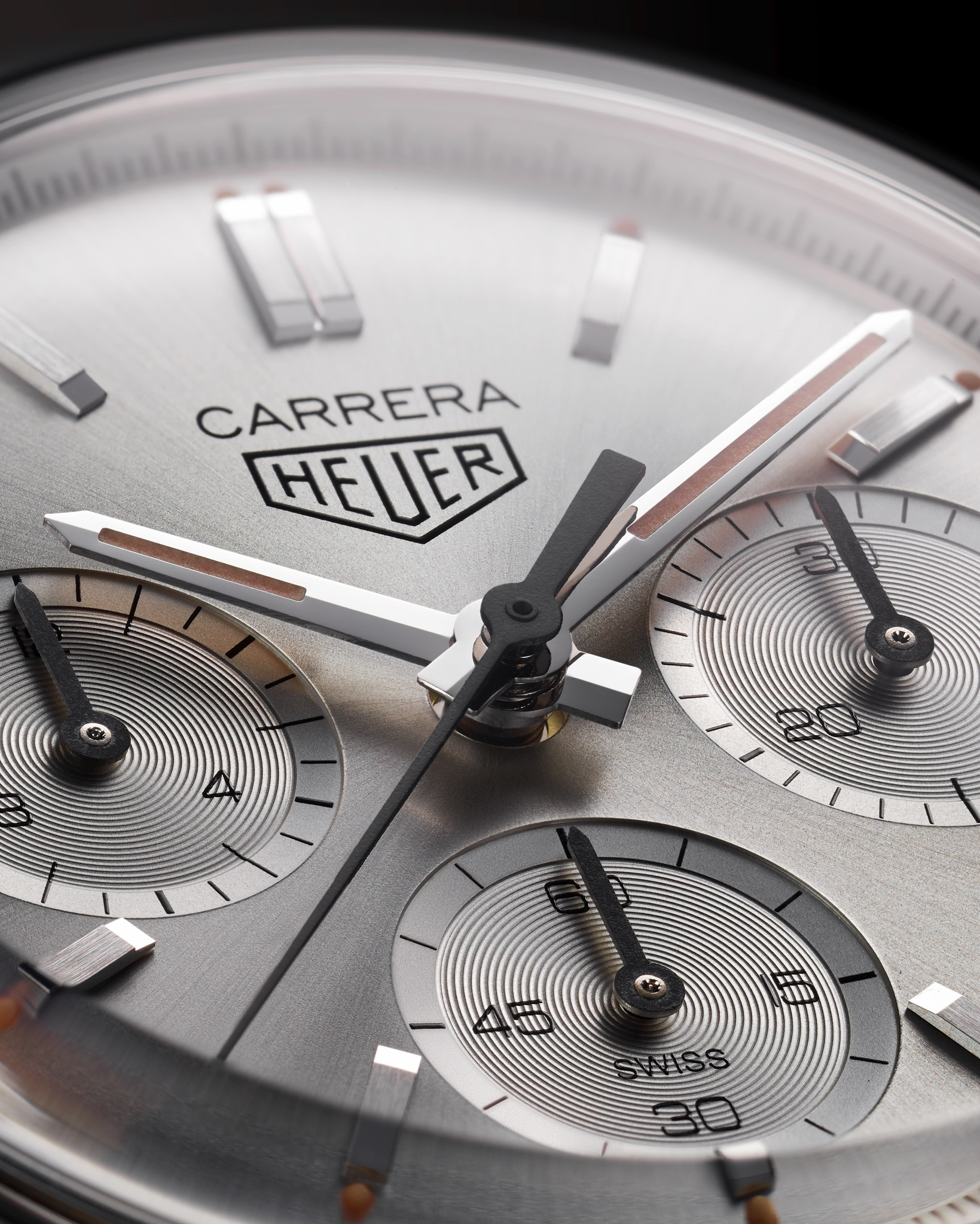 TAG-Heuer-Carrera-160-Years-Silver-Limited-Edition-close-1