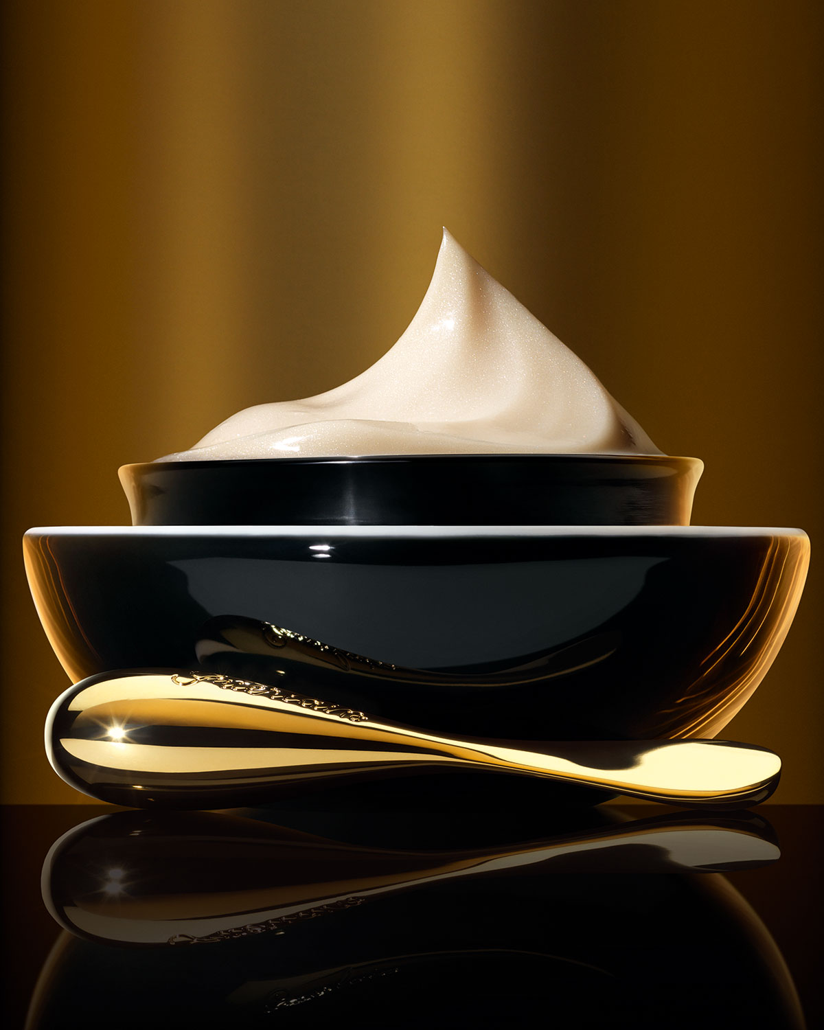 Guerlain-Orchidée-Impériale-Black-Eye-and-Lip-Contour-Cream-Visual-04