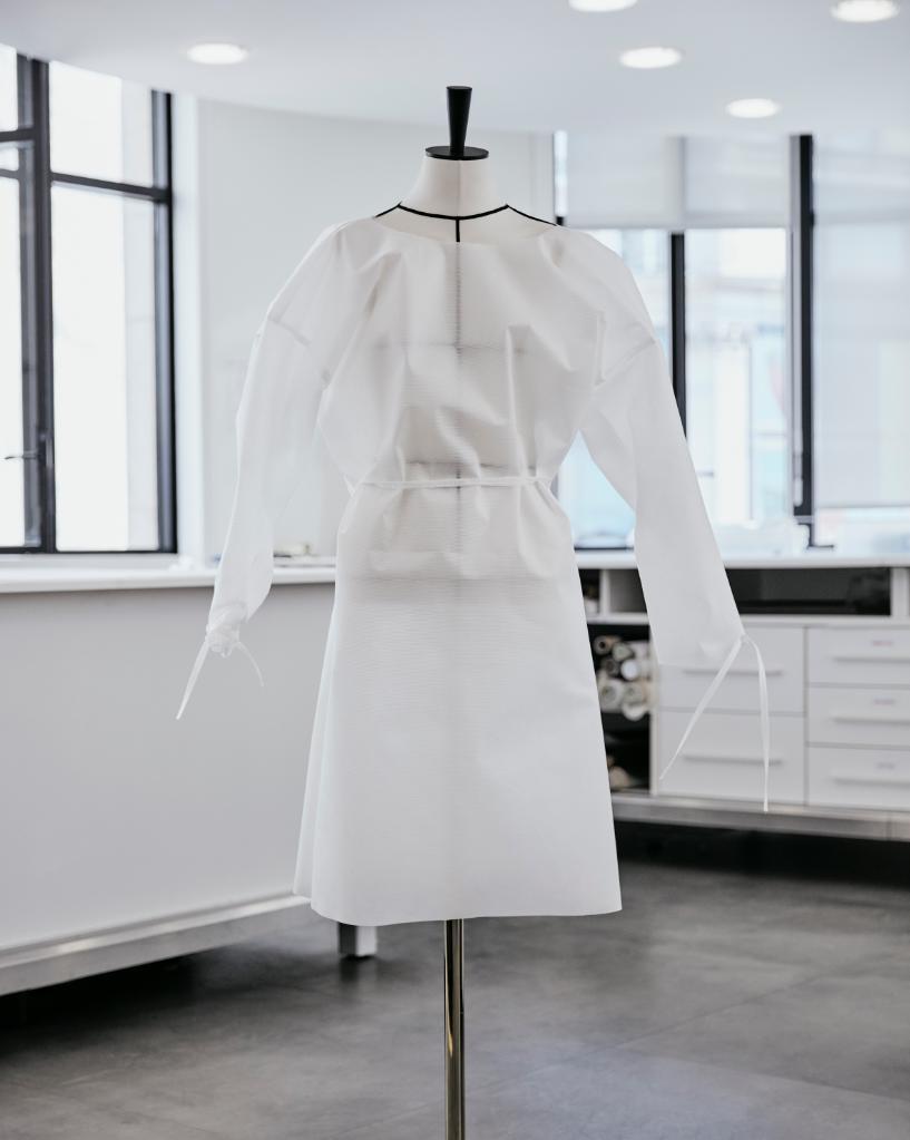 Louis-Vuitton-Hospital-Gowns-04