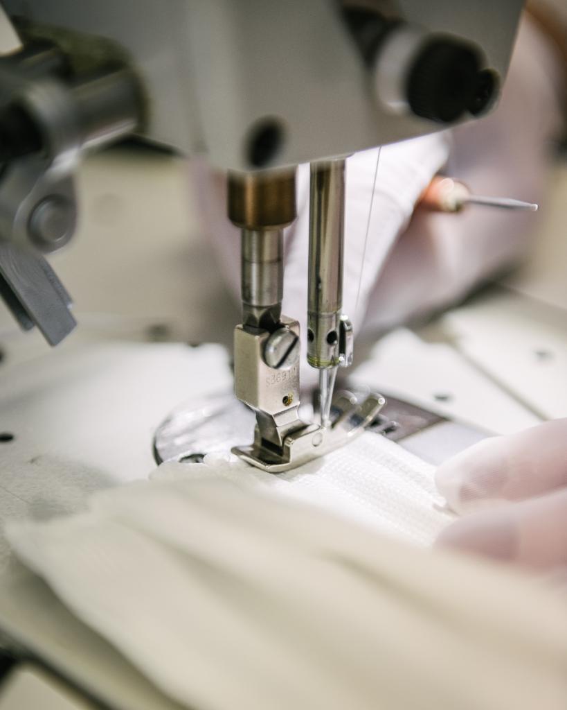 Louis-Vuitton-Mode-Grande-Ouest-produce-non-surgical-face-masks-02