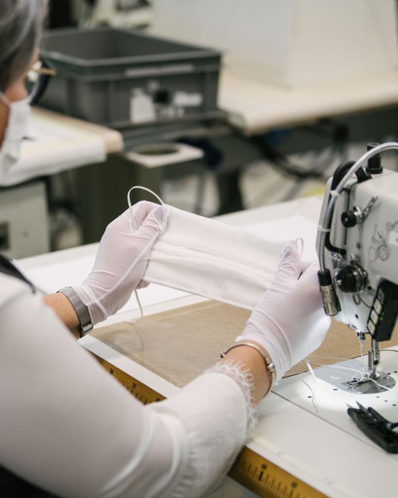 Louis-Vuitton-Mode-Grande-Ouest-produce-non-surgical-face-masks-03