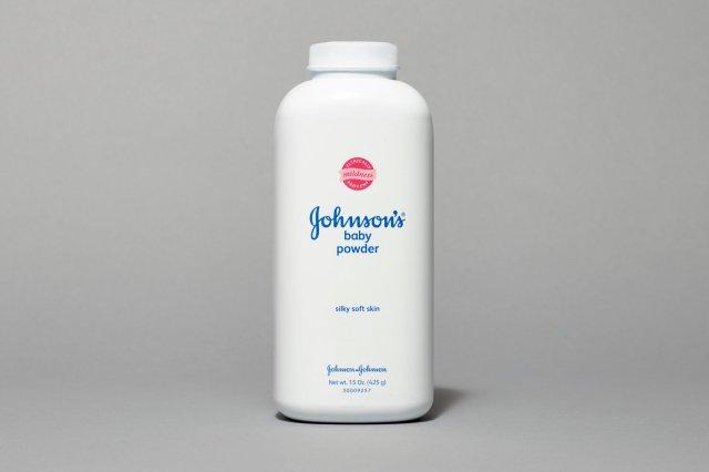 Johnson-&-Johnson's-Baby-Powder-Stops