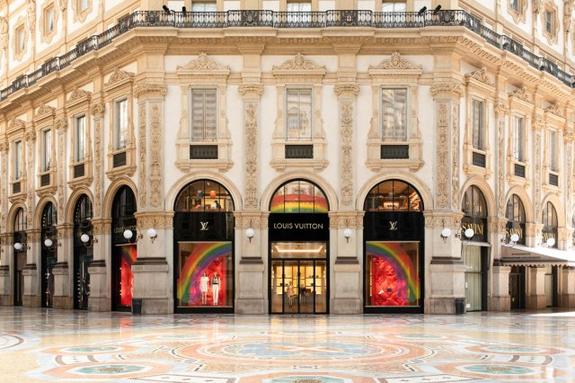 louis-vuitton-the-rainbow-project-window-drawing-designs-03