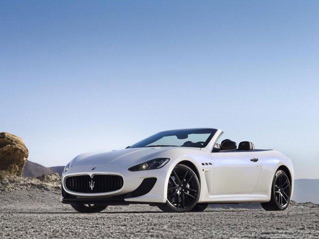 Maserati-GranCabrio-MC-02