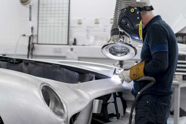Aston-Martin-DB5-Goldfinger-Continuation_10-min