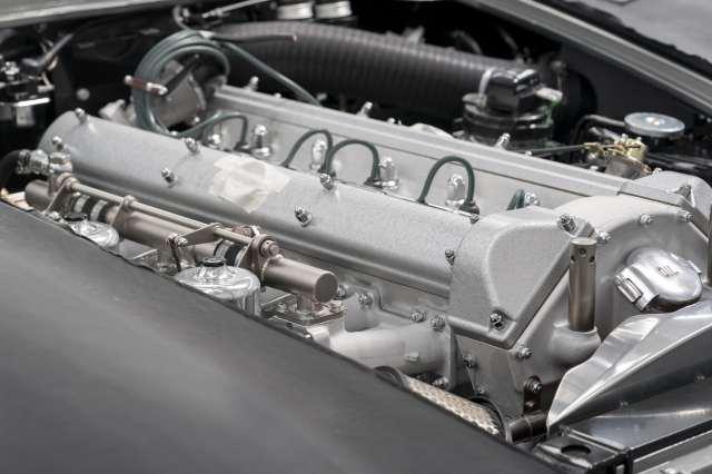Aston-Martin-DB5-Goldfinger-Continuation_12-min