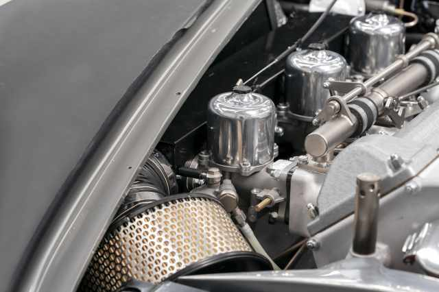 Aston-Martin-DB5-Goldfinger-Continuation_13-min