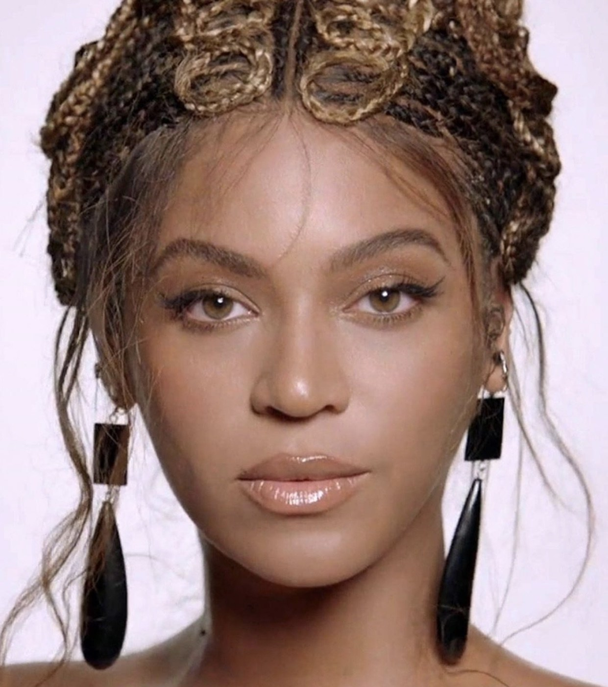 MONA ASSEMI Beyonce Knowles Carter