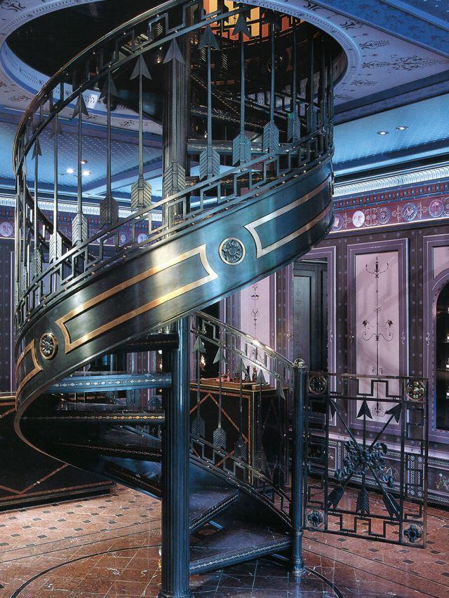 Serge-Lutens-Palais_Royal2_1